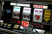 180px-Slot_machine[1]
