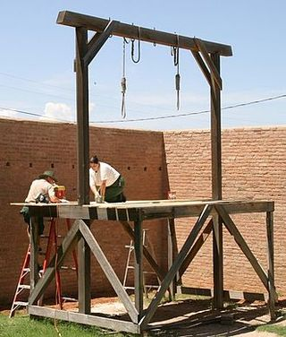 330px-Tombstone_courthouse_gallows[1]